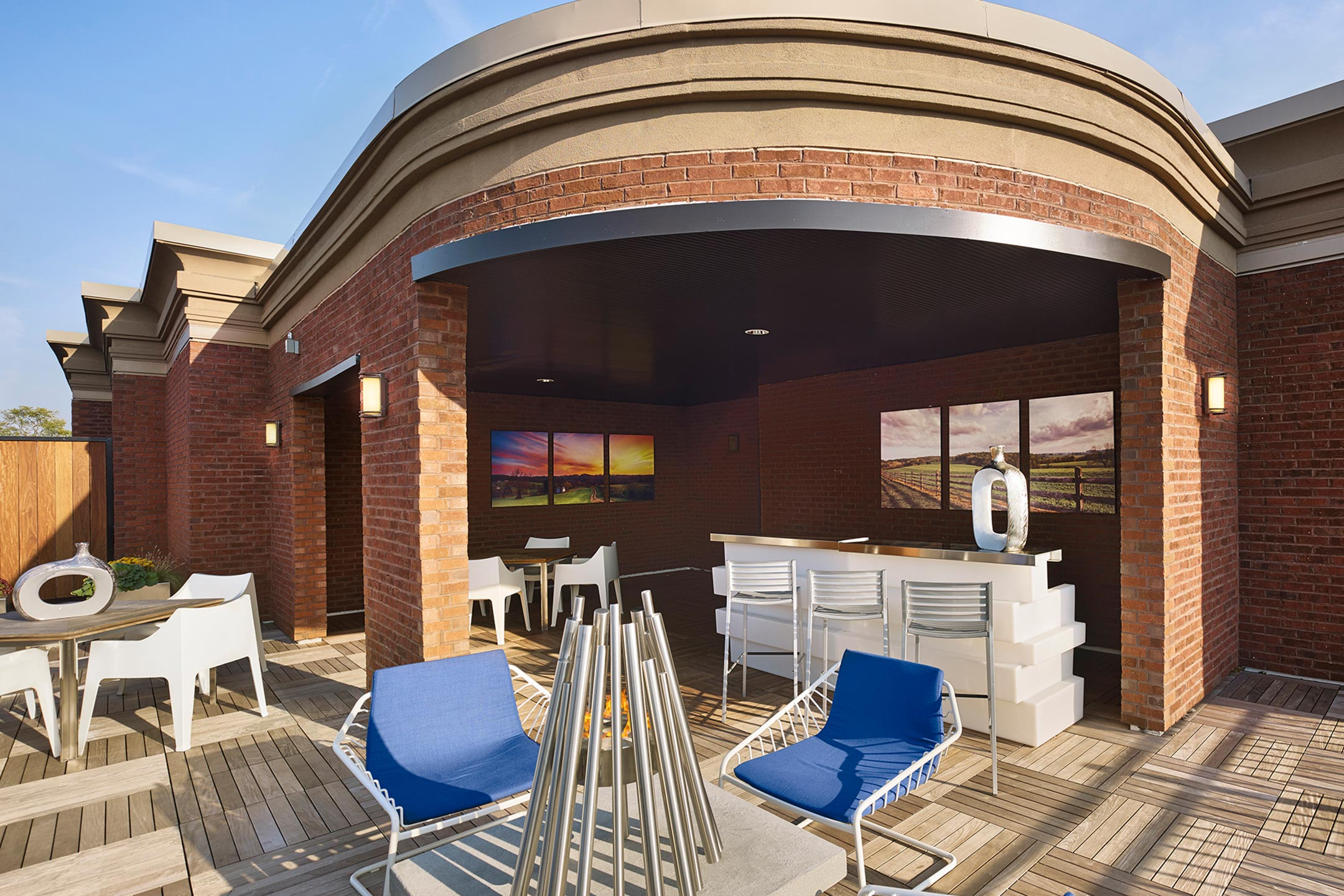 4th floor resident terrace chestnut square for Watch terrace house season 2