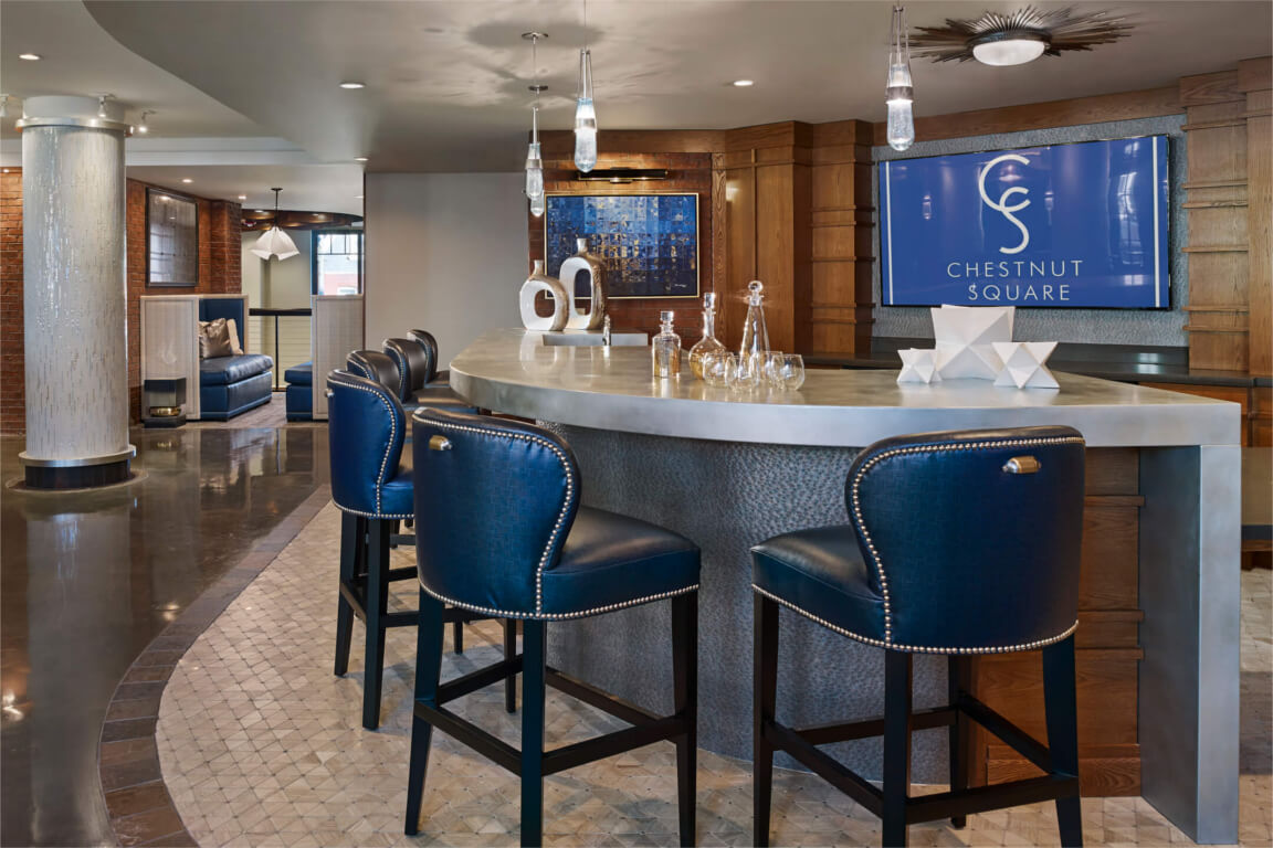 CLUB ROOM & BAR feature image